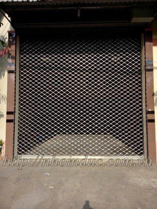 huyên sản xuất và thi công Cửa cuốn lưới mắt võng inox, hay còn gọi là cửa cuốn lưới mắt cáo. Sản phẩm cửa cuốn