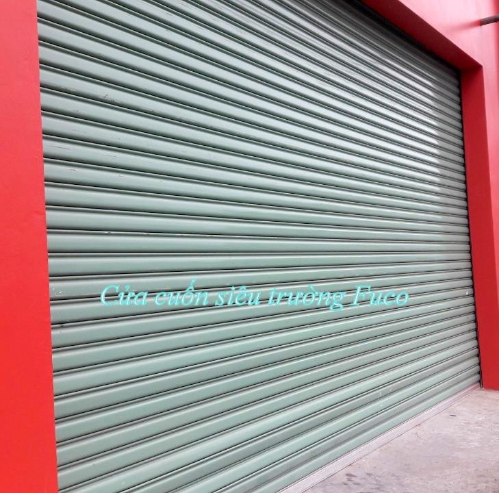 Cửa cuốn siêu trường được làm từ thép hợp kim sơn tĩnh điện cứng